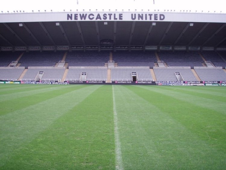 Mr Unpopular - Mike Ashley at Newcastle!
